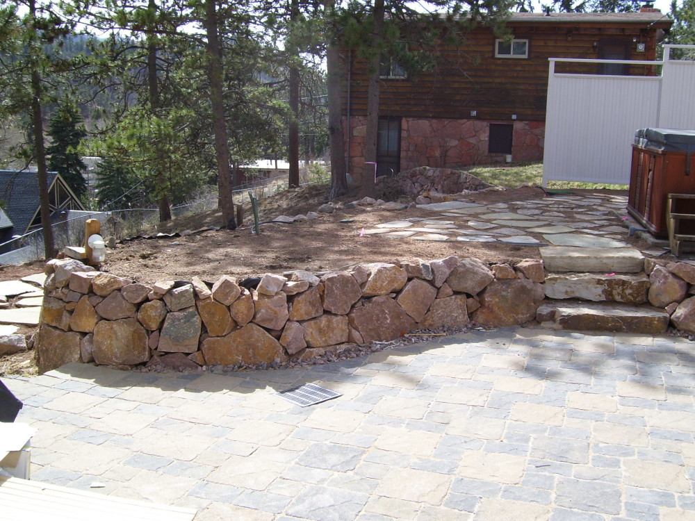 Retaining walls colorado springs natural stone walls for Landscape retaining wall design