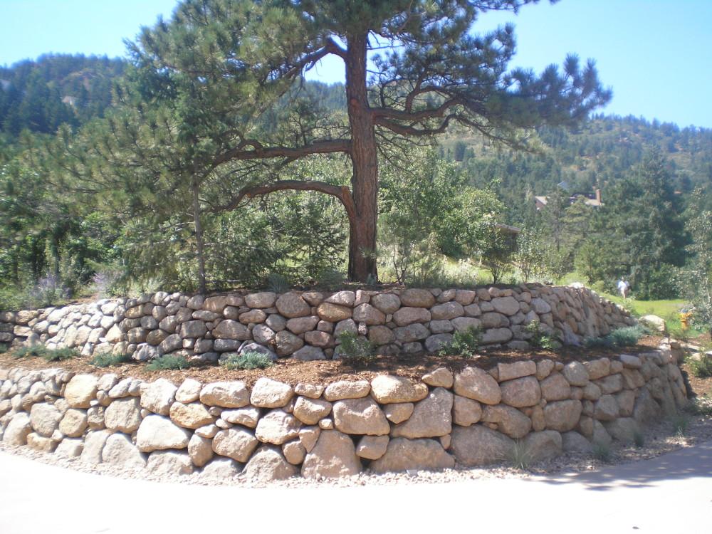 Broadmoor Boulder | Terrace | Plantings