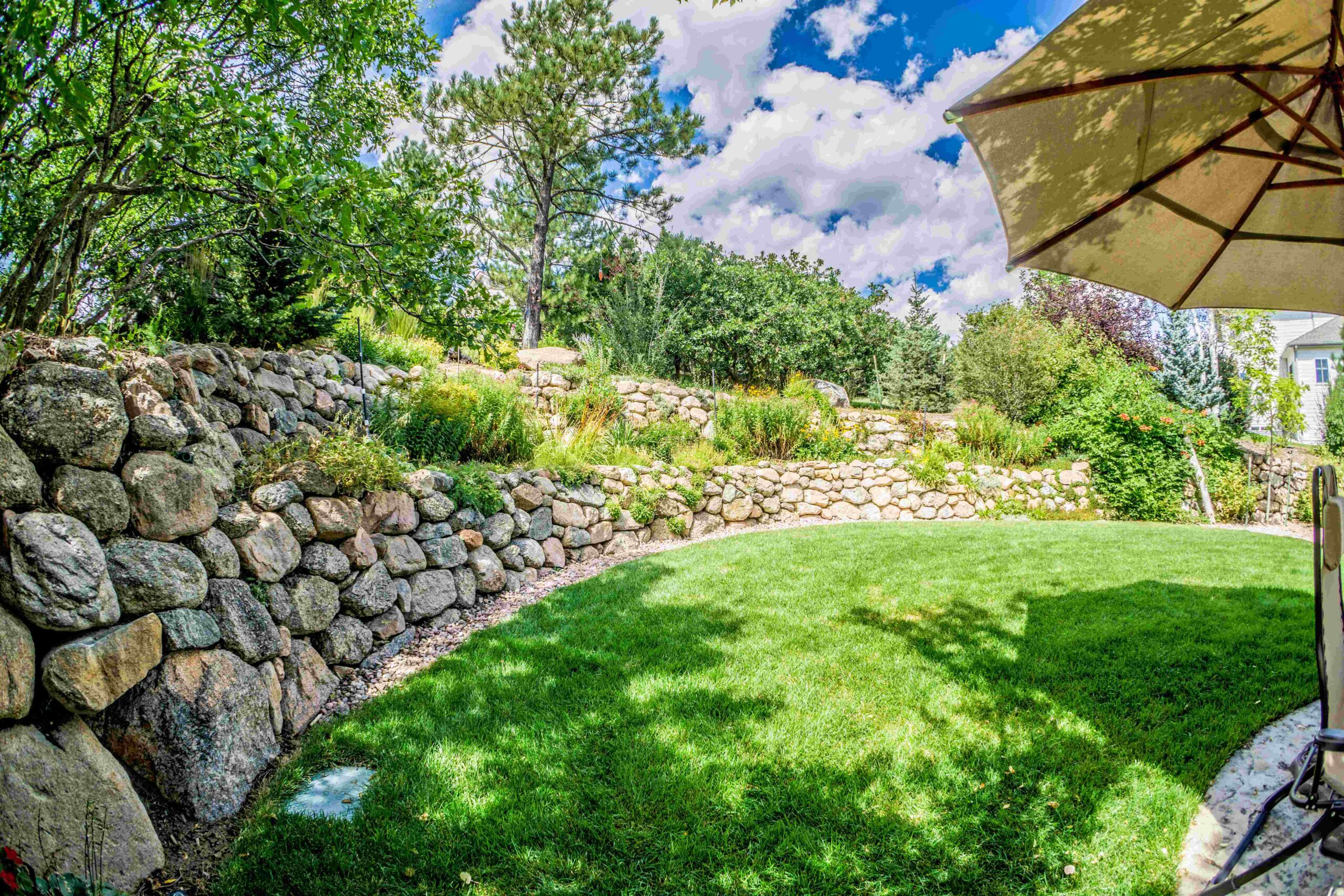 Boulder Wall | Lawn | Plantings