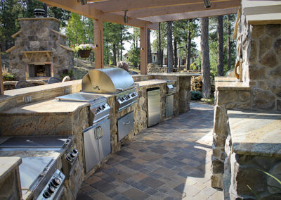 Kitchen | Fireplace | Pavers