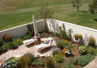 Sitting Area | Plantings